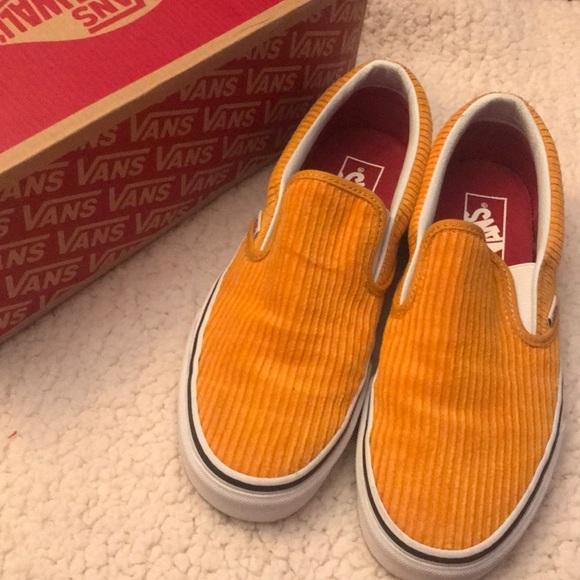646c7de1df75a5 Vans Yellow Corduroy Slip On Sneakers. M 5be799bc04e33da7431aeab1
